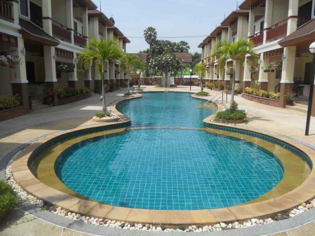 Large poolhouse in Cha Am - Hua Hin for Sale.