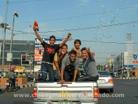 chiangmai-songkran-april-car.jpg